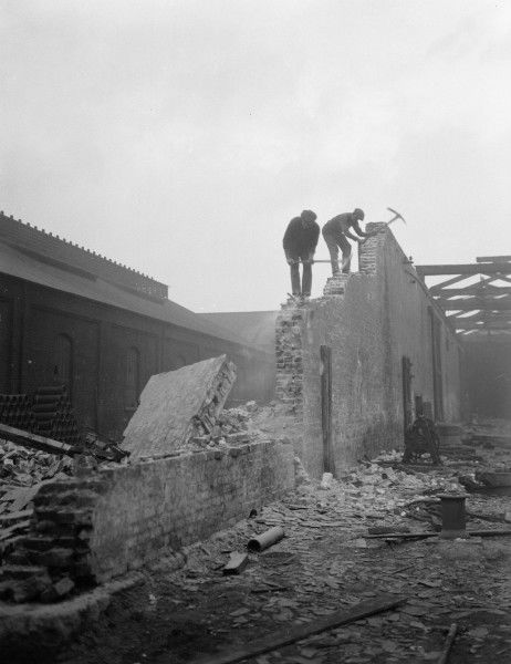 Demolition at the Bricklayers Arms Goods Station