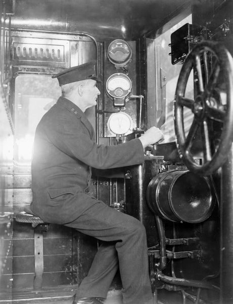 The driver of a Southern Railway 6-Pul electric train