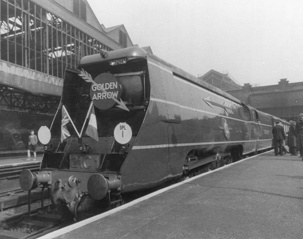 Merchant Navy Class 4-6-2 21C1 Channel Packet with the Golden Arrow train after its re-introduction in 1946
