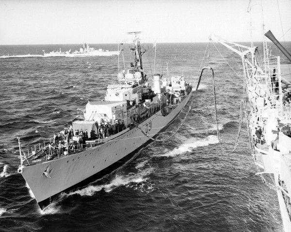 Weapon Class destroyer HMS Broadsword receiving fuel from HMS Implacable