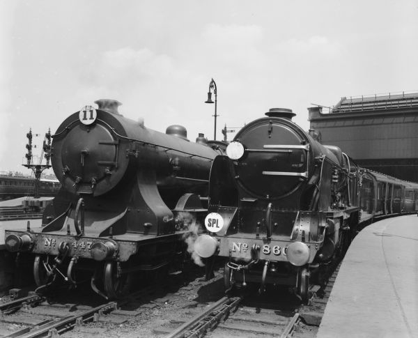 Southern Railway 4-6-0 Lord Nelson Class 860 Lord Hawke at Waterloo Station, 1934
