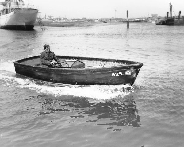 16' Inboard Dinghy of the Royal Air Force at Gosport, 1938
