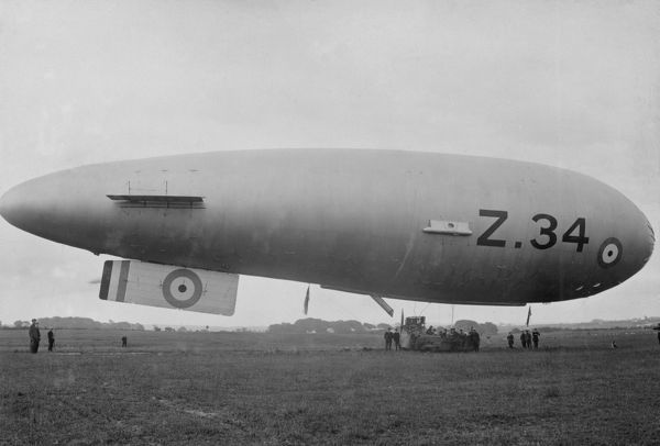 Sea Scout Zero airship SSZ-34 at RNAS Anglesey, 1918