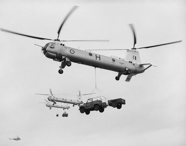 Bristol Belvedere HC.1 helicopters of 66 Squadron lifting loads, 1961