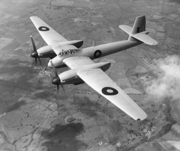 Westland Welkin I (DX318) in flight, 1944