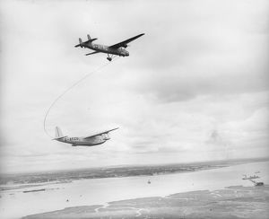 In flight refuelling trials, 1939