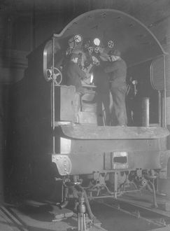 Foot plate repairs to King Arthur engine, 1926